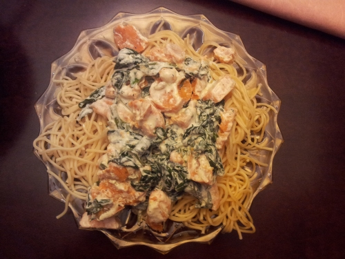 Fettuccine with sweet potato and spinach in cream and lemon