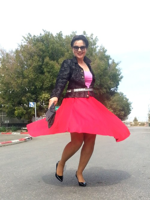 red swingy skirt