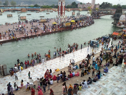 Peapl slowly gathering in Har-Ki-Piri